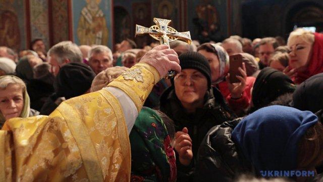На Буковині священик з Covid-19 збирається і надалі проводити богослужіння