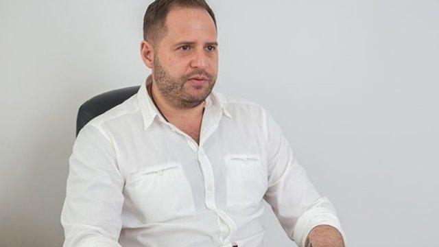 НАЗК перевірить законність безкоштовного перельоту Єрмака з Мінська