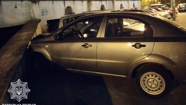 У Львові п'яний водій виїхав на зустрічну смугу та спричинив ДТП