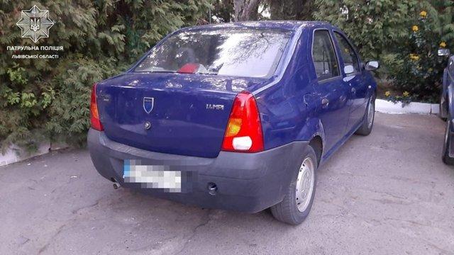 Патрульні оштрафували львів'янина, який помилково заявив про викрадення свого авто
