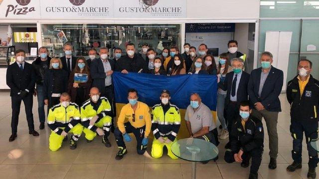 Українські лікарі повернулися з Італії, де допомагали боротися з пандемією Covid-19