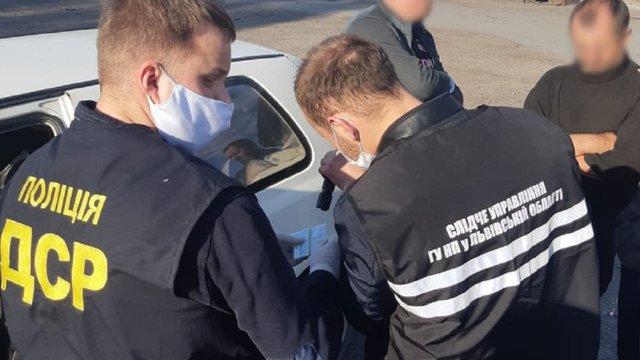 На Львівщині  під час отримання хабарів затримали двох посадовців районної та сільської рад