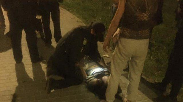 Вночі біля ТЦ «Метро» у Львові сталася ножова сутичка між ромами