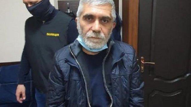 Кримінального авторитета, який втік після суду, затримали в Кривому Розі