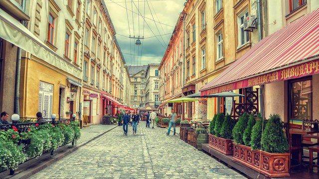 Внаслідок карантину в Україні збанкрутували 40% кафе і ресторанів