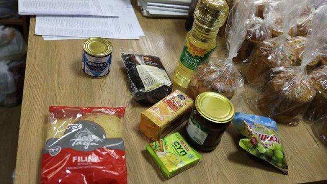 За час карантину потребуючим львів'янам вже роздали понад 16 тисяч продуктових наборів