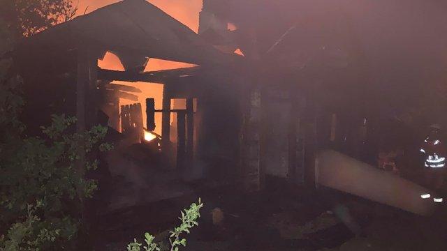 У Радехівському районі згоріли два житлові будинки