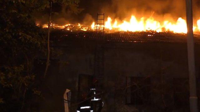 У Львові під час гасіння пожежі в закинутій будівлі виявили тіло чоловіка