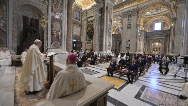 Папа Франциск провів першу публічну месу в соборі святого Петра за 69 днів