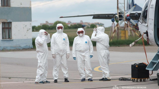 МВС виділило Чернівецькій області вертоліт для транспортування хворих на коронавірус