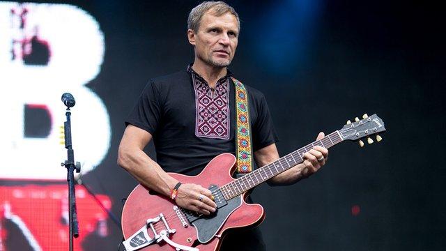 Олег Скрипка випустив пісню «Два кольори» англійською мовою