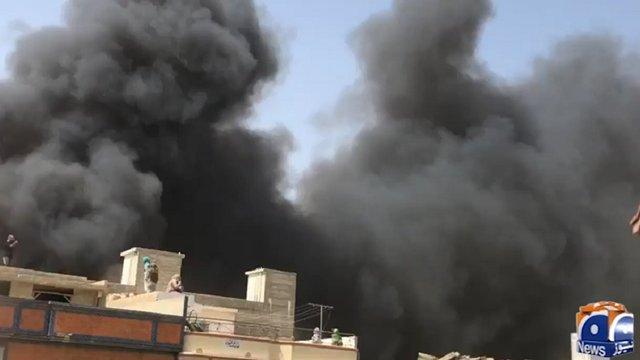 У Пакистані розбився пасажирський літак з майже сотнею людей на борту