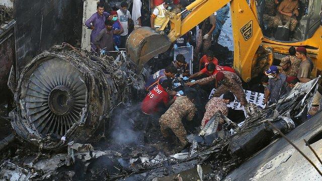 У Пакистані уточнили кількість загиблих під час катастрофи авіалайнера