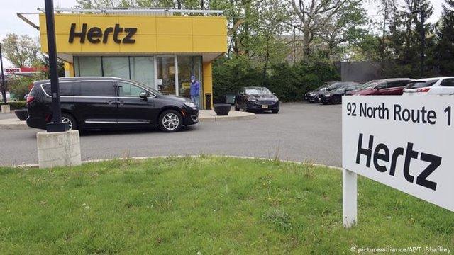 Один із найбільших сервісів прокату автомобілів Hertz збанкрутував