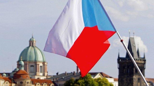 Чехія частково відновила видачу робочих віз для українців