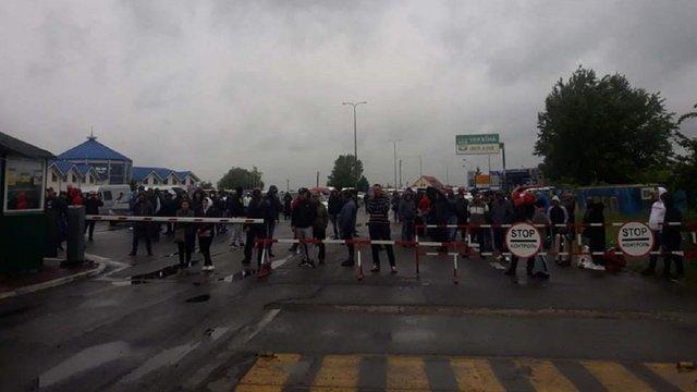 В Чопі перевізники заблокували пункт пропуску на кордоні з Угорщиною