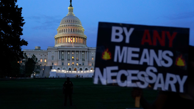 У столиці США ввели комендантську годину через масові протести