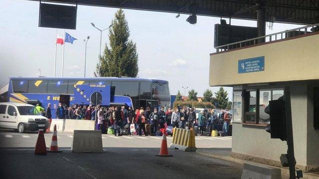 Суд відмовився штрафувати львівського перевізника за нелегальні платні рейси через кордон