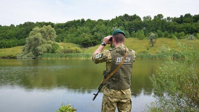 Прикордонники врятували українця, якого течією занесло в Угорщину