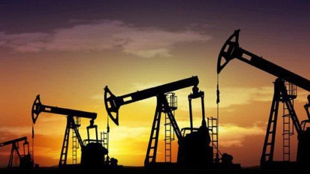 Країни ОПЕК+ домовилися продовжити скорочення видобутку нафти до серпня