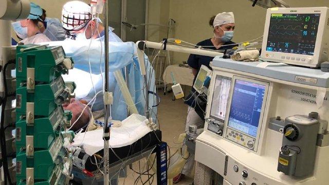 Львівські лікарі врятували 55-річну львів'янку, яка втратила 3,5 л крові