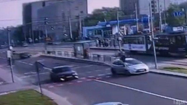 Автомобіль збив 50-річного львів'янина, що перебігав дорогу на «червоне»