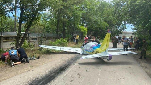 В Одесі розбився легкомоторний літак, двоє пілотів загинули