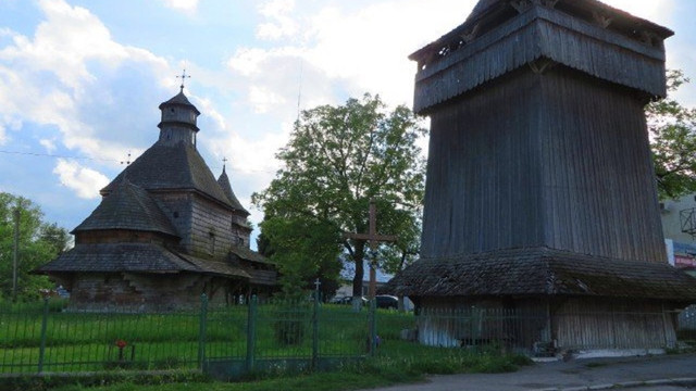 У Дрогобичі реставрують дзвіницю однієї з найстаріших дерев'яних церков України