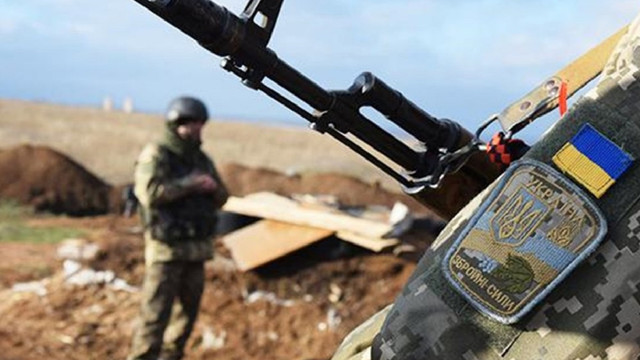 Внаслідок обстрілів на Донбасі загинув боєць ЗСУ
