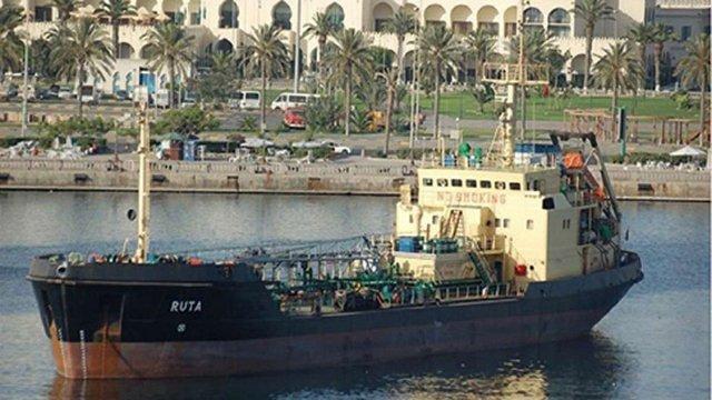 Українські моряки повертаються додому після трьох років в'язниці в Лівії