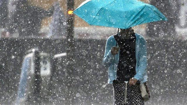 Синоптики оголосили штормове попередження майже по всій Україні