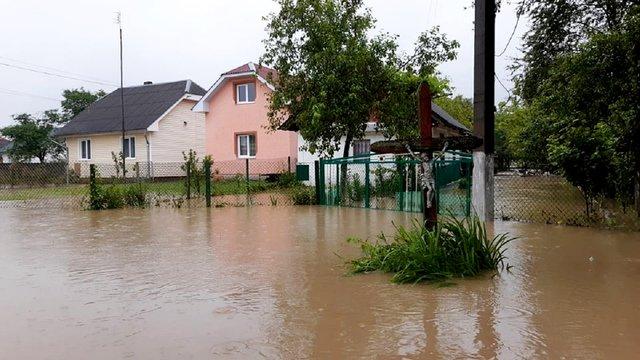 На Стрийщині внаслідок сильних опадів підтопило понад 100 будинків у с. Зарічне