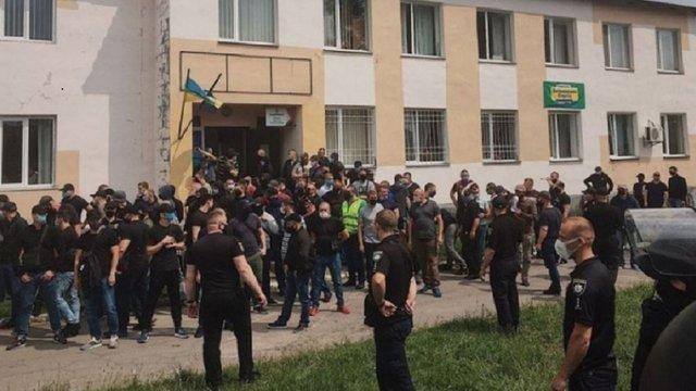 На Рівненщині сталися сутички активістів «Нацкорпусу» та поліції