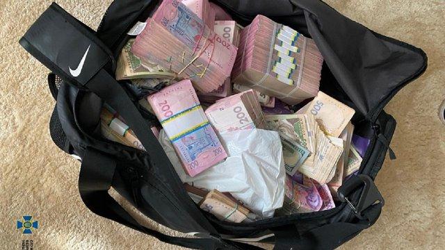 НАБУ затримало голову Кіровоградської ОДА за вимагання 1,8 млн грн хабара