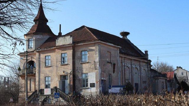 Для відновлення пам'ятки архітектури львівські митці влаштували благодійний аукціон
