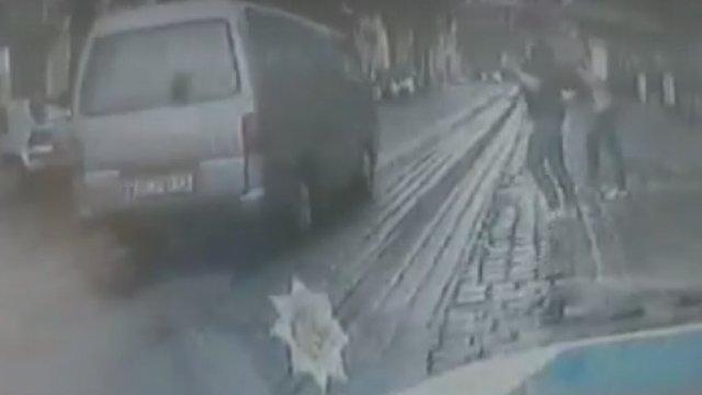 Нетверезий водій на очах у патрульних мало не збив пішоходів на «зебрі» у Львові