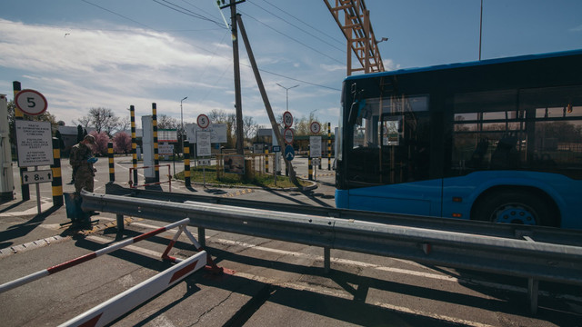 Транзит Угорщиною для українців дозволений лише через два пункти пропуску