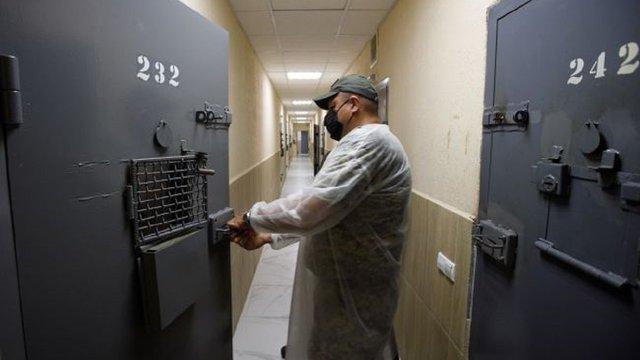У Чернігові ув'язнені неповнолітні побили працівника СІЗО і намагалися втекти