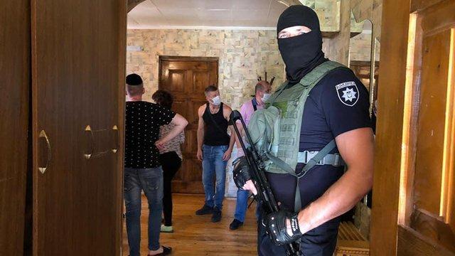 На Івано-Франківщині утримували людей у незаконних реабілітаційних центрах