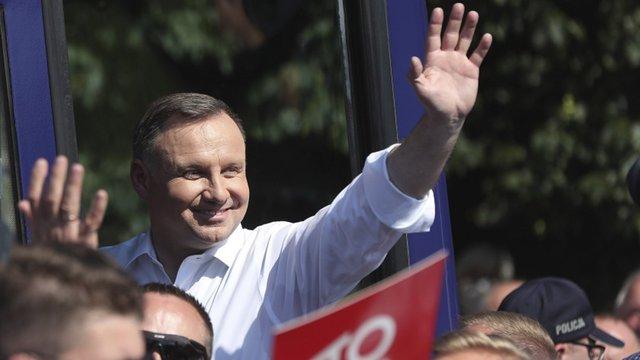 Екзит-пол показав мінімальну перевагу Анджея Дуди на виборах президента Польщі