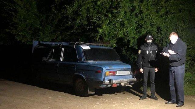 Поліція затримала двох мешканців Львівщини, які побили водія та викрали його автомобіль