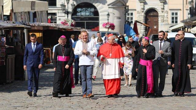 У Львові з візитом перебуває кардинал Ватикану
