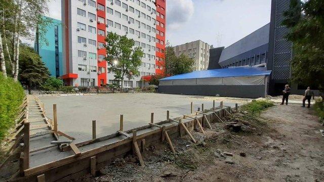 Біля нічного клубу на вул. Науковій у Львові виявили незаконне будівництво