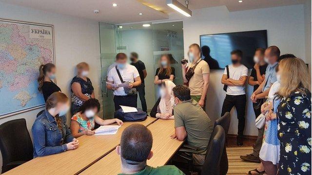 Детективи НАБУ провели обшуки у львівському офісі компанії Onur