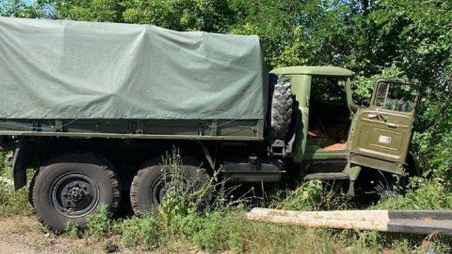 На Дніпропетровщині вантажівка Нацгвардії в'їхала в легковик, двоє людей загинули