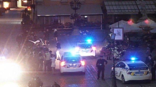 Уночі у центрі Львова сталася масова бійка