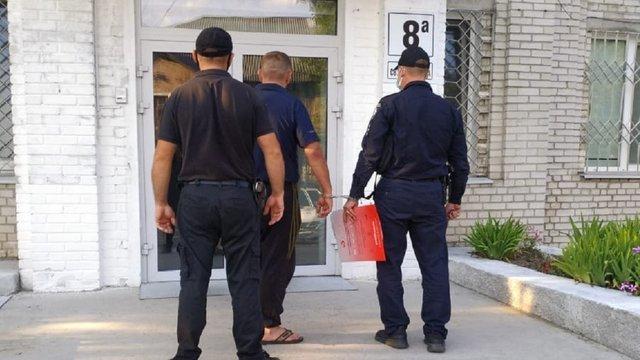 Поліція затримала чоловіка, який жорстоко побив відвідувача кафе у Червонограді