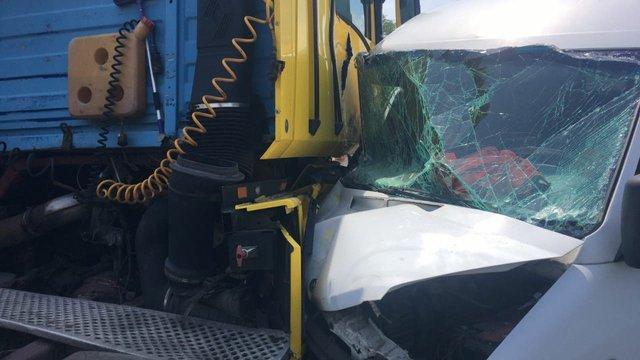 Через п'яного пасажира маршрутка на Вінниччині потрапила в ДТП