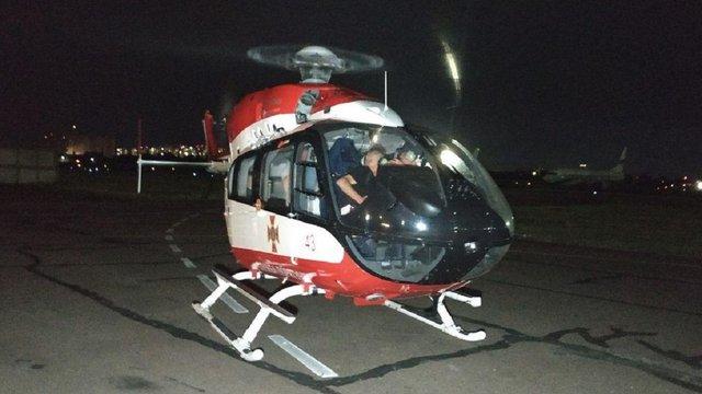 Постраждалу у ДТП на Львівщині 13-річну дівчину рятувальним гелікоптером доставили до Києва