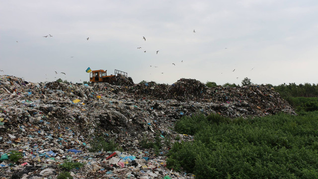 Новояворівська міськрада вп'яте за рік оголосила тендер на будівництво сміттєзвалища